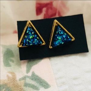 Jewelry - Iridescent blue triangle textured earrings